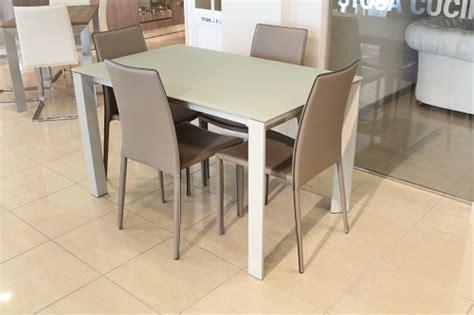 offerta tavoli e sedie offerta tavolo vetro allungabile e sedie ecopelle