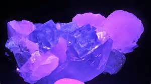 Quartz Light File Fluorite Calcite Scheelite Quartz Sous Uv 1 Jpg