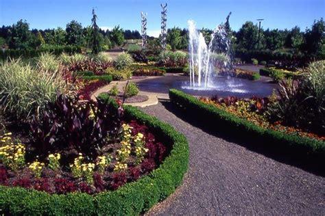 Oregon Garden by The Oregon Garden Wedding
