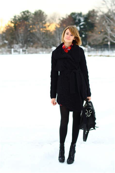 how to wear lace up boots black laces up boots pour la victoire boots plaid