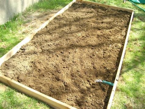 Cheap Raised Garden Beds by Hometalk Our Cheap And Simple Raised Garden Bed