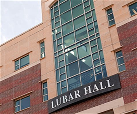 Uw Milwaukee Executive Mba by Centers Institutes Lubar School Of Business
