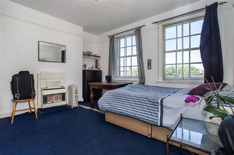 2 bedroom flat london buy 2 bedroom flat for sale in parkhurst court warlters road