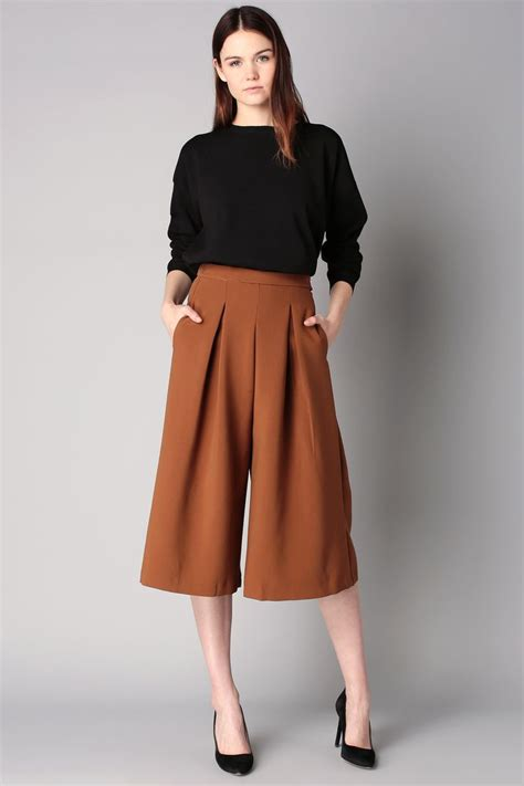 43618 Navy Vogue Cullotes 50 best how to wear culottes casual ideas images on culottes