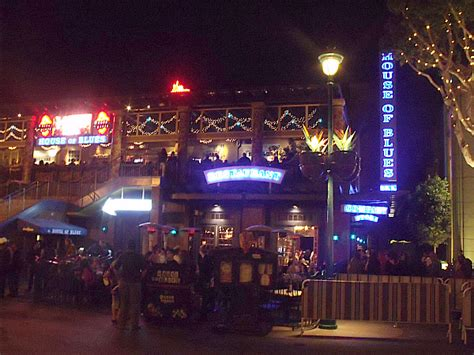 house of blues downtown disney house of blues crossroads restaurant at downtown disney anaheim california mama likes to cook