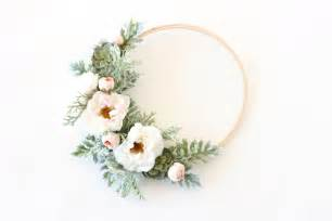 Christmas Party Kids Crafts - modern spring floral wreath