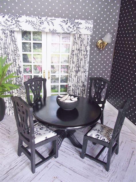 schwarzer und weißer speisesaal set die besten 25 puppenhochstuhl holz ideen auf