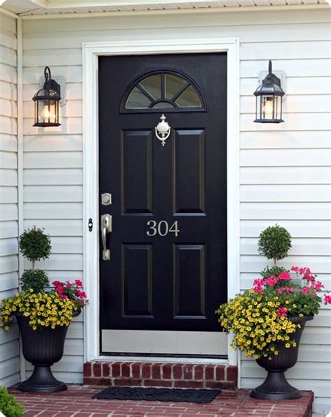 black front door is a paint colour for vinyl siding that is gray or white with white trim