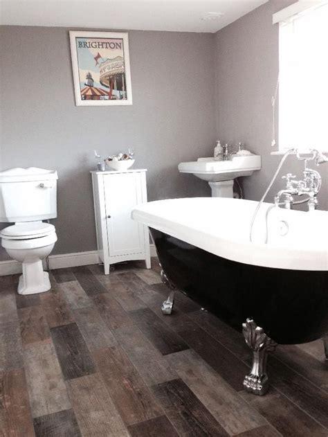 jez  portsmouths beautiful victorian style bathroom