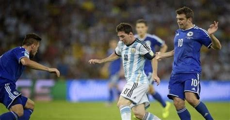 Deker Sepak Bola Dan Futsakpelindung Tulang Kering prinsip shin guard pada kaki pemain sepak bola fisikaku