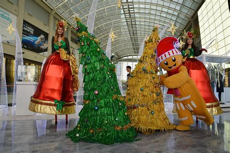 6 christmas trees in singapore for your instagram feed