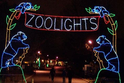 Wild Lights At Detroit Zoo After5 Detroit Wildlife World Zoo Lights