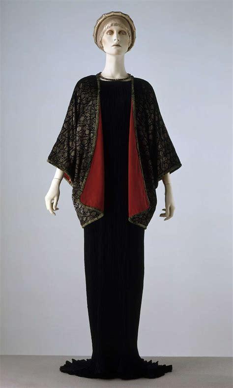 Victorie Jacket Mocha Jaket Wanita introduction to 20th century fashion and albert