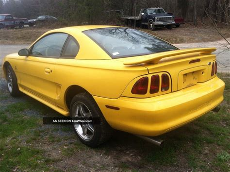 3 8 l mustang 1998 ford mustang base coupe 2 door 3 8l