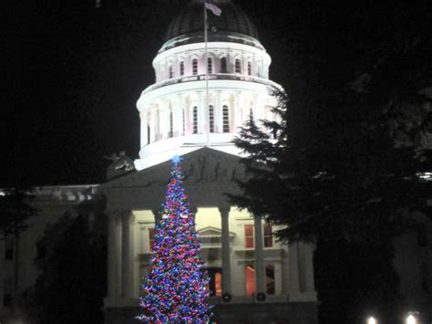 sacramento capital christmas decorations tree california capitol building sacramento ca picture of california state