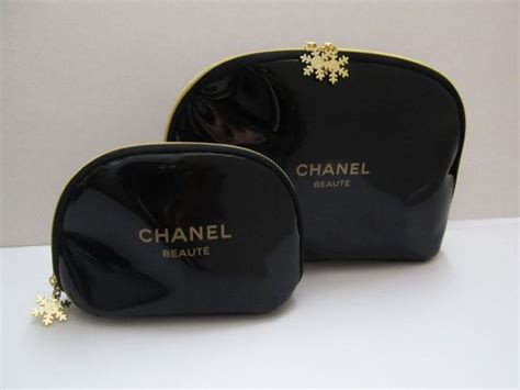 Tas Chanel Small 7114 chanel beaute snowflake black zipper cosmetic bag chanel snowflakes cosmetic