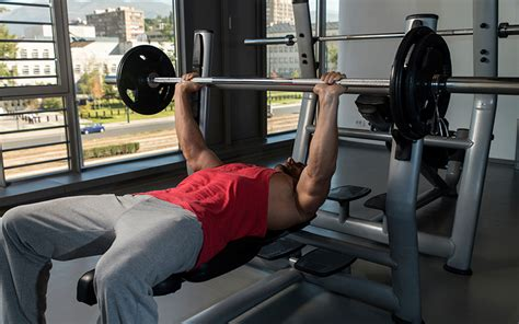 big bench press workout 7 things you must do to build a bigger chest muscle