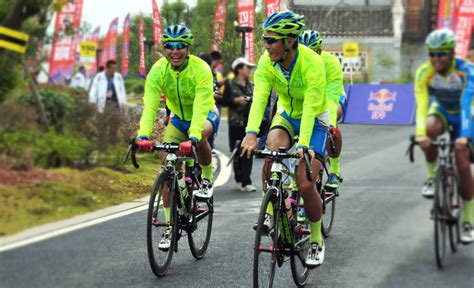 mens hi vis waterproof cycling jacket monton hi vis waterproof cycling jacket for buy cool