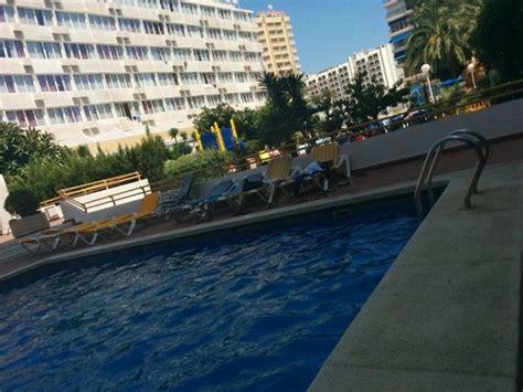 apartamentos vi a del mar benidorm pool picture of vina del mar apartments benidorm