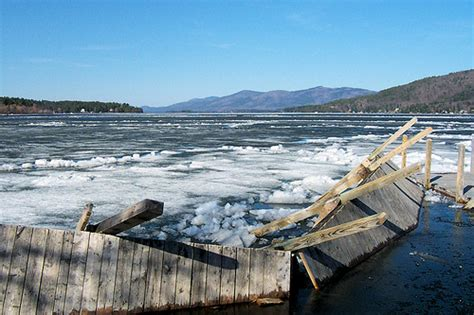 boat dock ice eater de icers ice eaters buyer guide savvyboater