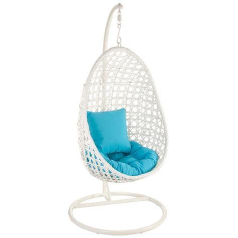 Chaises design : 15 chaises suspendues modernes