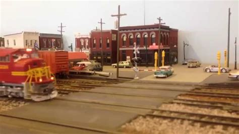 santa fe layout youtube santa fe freight train ho scale youtube