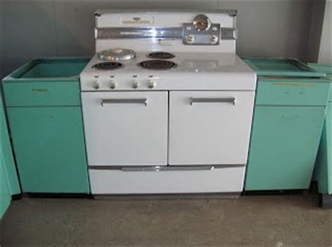 Geneva Metal Kitchen Cabinets Sold 1963 Geneva Steel Kitchen Cabinets In Aquamarine Stove Home Renovation And Geneva