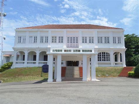 list    pertua negeri  malacca wikipedia