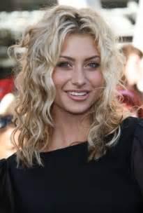 perm for thin hair perm thin blond medium length hair hairstylegalleries com