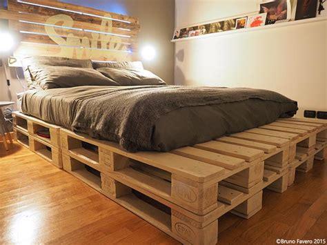 immagini di da letto camere da letto in pallet riciclo
