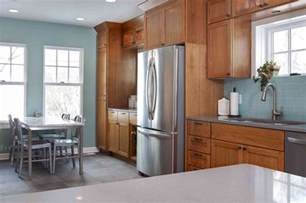 Should I Paint The Inside Of My Kitchen Cabinets A More Modern Look With Oak Cabinets Stainless Steel Appliances Would Help Oak Cabinets