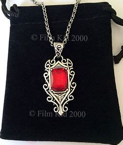 mortal instruments isabelle lightwood necklace pendant