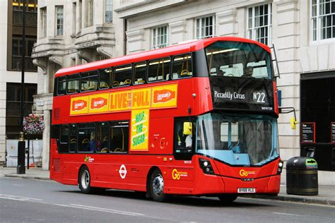 london bus routes route  fulwell oxford circus