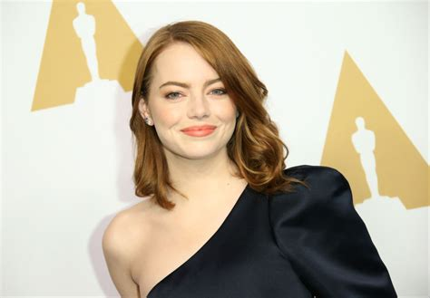 emma stone fitness emma stone gained 15 pounds for her newest movie and