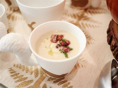 pastina soup recipe by giada de laurentiis giadaweekly giada clam chowder