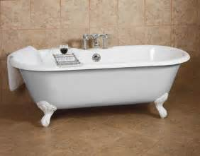 fashioned dual bathtub for those cozy baths together