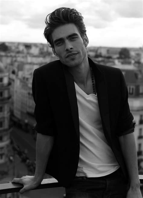 white haired model from chicos hombre de la semana jon kortajarena