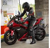 Yamaha R1  Motorcycles Bikers And More Carros Y Motos