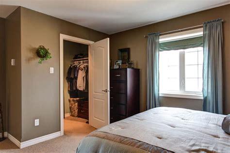 Quarto De Casal Dicas Para Um Quarto Perfeito Arquidicas Small Master Bedroom Closet Designs