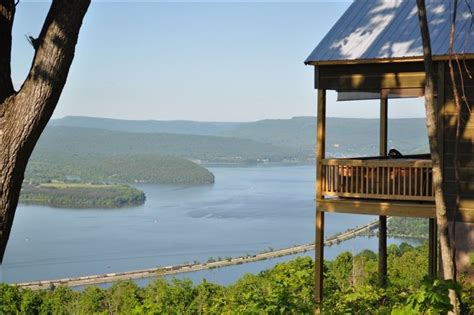 view wow tub gated cabin lake chattanooga 25