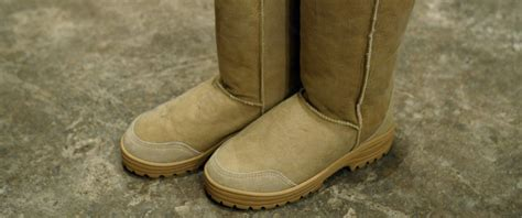 7 Ways To Spot Uggs by Buyer Beware How To Spot Avoid Counterfeit Ugg Boots