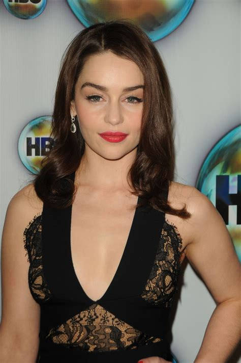 emilia clark fat buddha store hottie of the week emilia clarke