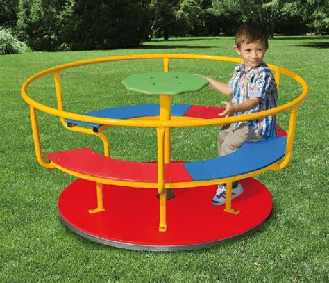 divanetto per bambini giostra girevole per bambini a divanetto parco giochi