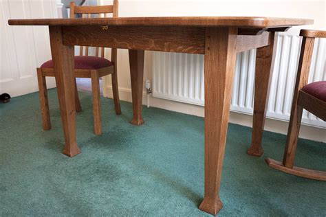 quarter sawn oak dining table extending dining table ross langley bespoke furniture