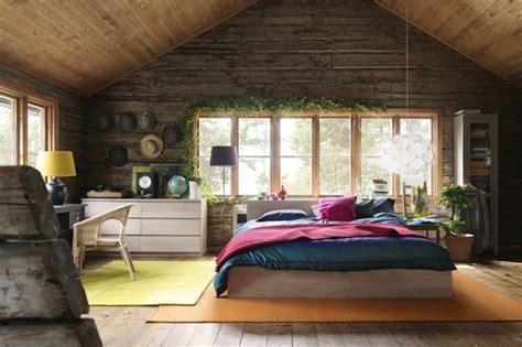 schlafzimmer holzwand schaffen sie eine gem 252 tliche atmosph 228 re im zimmer