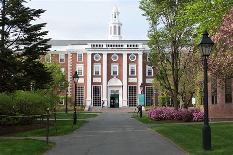 Harvard Mba Class Profile Gre by Sneak Peek At Hbs Class Of 2016
