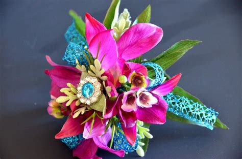 Set Desty Magenta 1000 ideas about corsage and boutonniere on prom corsage and boutonniere prom