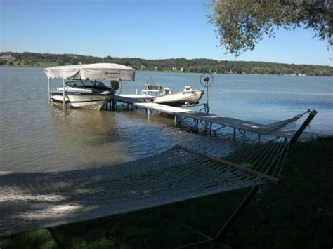 no sea em boat lift secluded lake house in lake geneva casas para alugar em