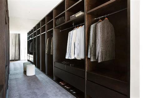 top 10 tips for planning your walk in robe closet elements at home