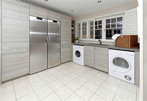 waschmaschine und trockner übereinander stellen trockner auf waschmaschine stellen 187 das ist zu beachten